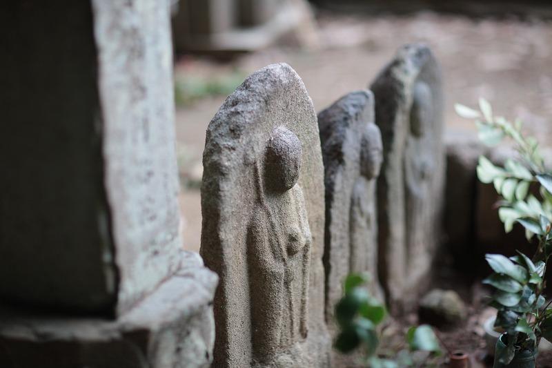 墓地地蔵尊